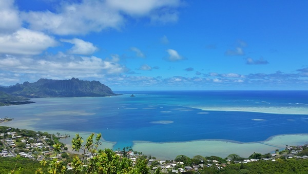 Oahu: Puu Maelieli Trail is an Oahu hike in Kaneohe, Hawaii