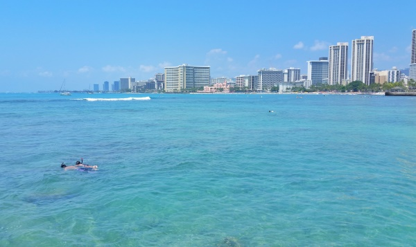 Snorkeling Oahu: Waikiki beach, Queen's Beach, Hawaii