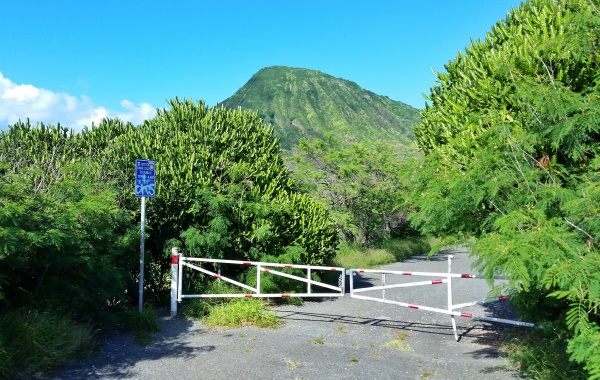 Koko Head Hike: District Park entry when you get to Koko Head by bus from Waikiki. Koko Head parking is in a different area.