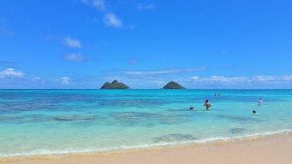 Lanikai Beach, Hawaii: View of Mokulua islands aka the Mokes, Oahu beaches
