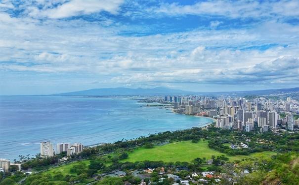 Diamond Head Crater: Trail summit with views of Honolulu and Waikiki Beach