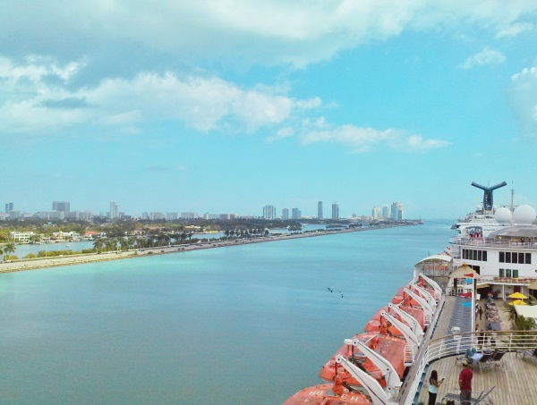 Cruises from Florida: Cruising out of Port Miami in South Florida for a Caribbean cruise