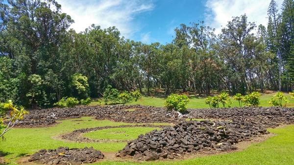 Hawaiian culture: Keaiwa Heiau, ancient Hawaiian temple at a Hawaii state park in Aiea, Central Oahu, Hawaii