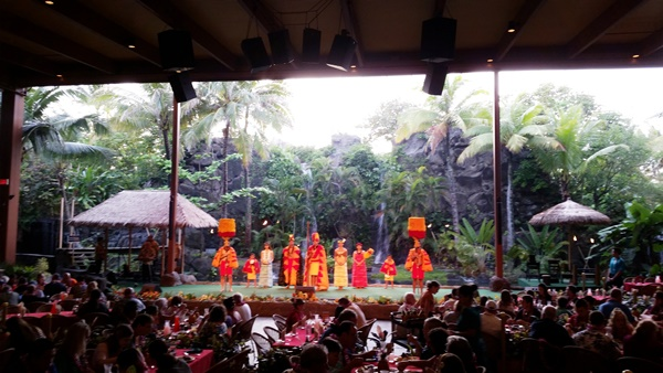 Polynesian Cultural Center luau in Oahu, Hawaii: Traditional Hawaiian luau entertainment