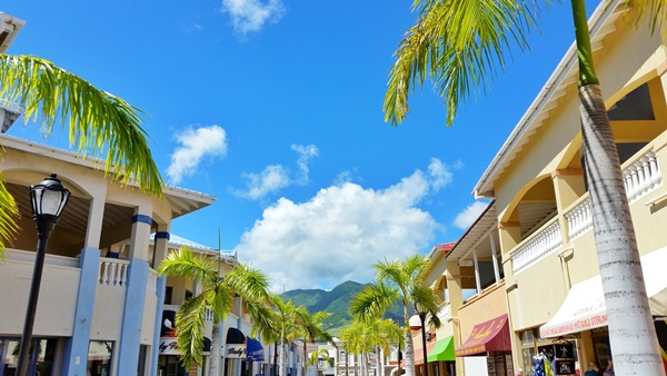 St Kitts cruise: Shopping near cruise port on a cruise to St Kitts, Caribbean