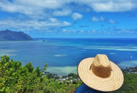 What to wear hiking in Hawaii: Wear a sun hat when hiking Puu Maelieli Trail in Kaneohe, Oahu