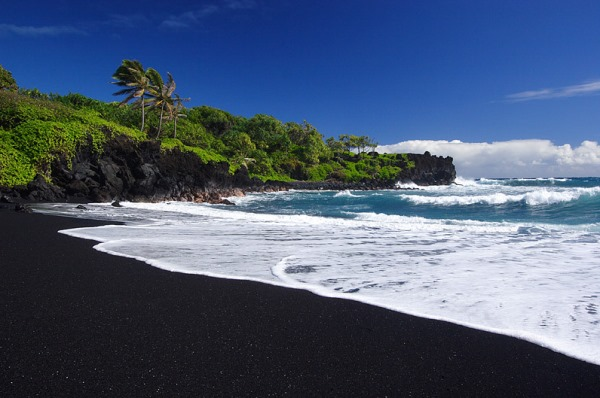 Black Sand Beach On Oahu Where Can You Find One Hawaii