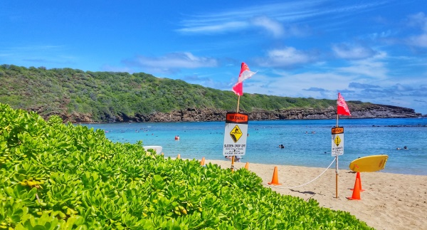 Hanauma Bay snorkeling: Rip currents at Hanauma Bay, Oahu, Hawaii