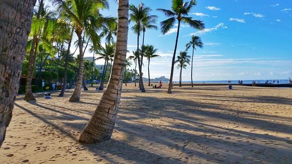 Waikiki Beach: Hilton Hawaiian Village and Kahanamoku Beach, Oahu, Hawaii