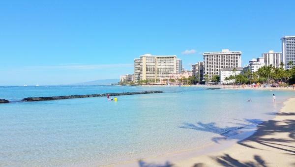 Waikiki Beach: Kid-friendly beach in Waikiki, Oahu, Hawaii