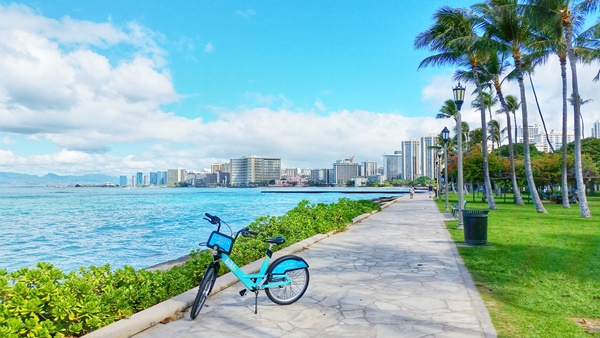 Biking Oahu: Waikiki bike rentals for biking Waikiki, Hawaii