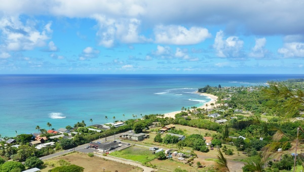 North Shore Pillbox Hike: Ehukai Pillbox Hike with best views of Sunset Beach, Oahu, Hawaii