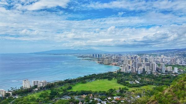 Oahu Hikes, Oahu travel guide: Diamond Head Hike, Oahu hikes pocket guide, Hawaii