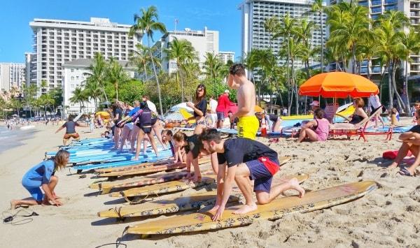 Waikiki Activities Travel Guide: Beginner surfing lessons in Waikiki, Oahu, Hawaii. Best things to do in Waikiki.