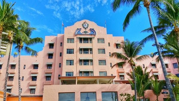 Waikiki Activities Travel Guide: Pink hotel in Hawaii - Royal Hawaiian luxury resort. Best hotels in Waikiki Beach, Oahu, Hawaii. Best things to do in Waikiki.