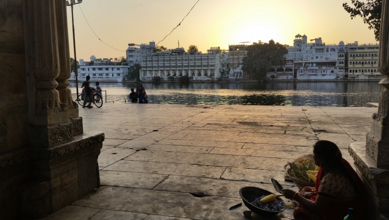 Udaipur itinerary: Best places to visit in Udaipur in 3 days. Udaipur sunset. Rajasthan, India