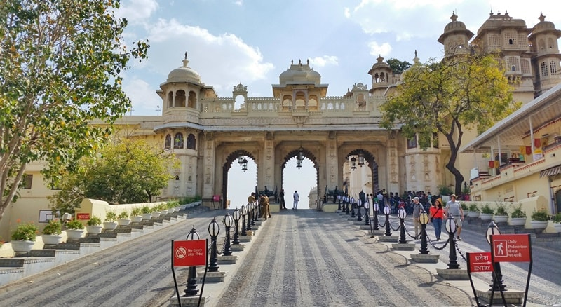 Udaipur itinerary, 2 days: Grounds of City Palace entry. Best places to visit in Udaipur, Rajasthan, India.