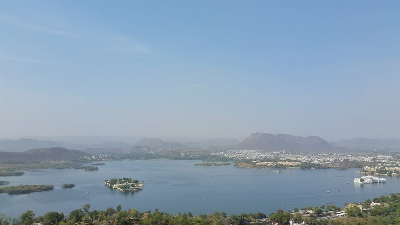 Udaipur itinerary, 2 days: Hilltop temple walk in Udaipur with best views. Best places to visit in Udaipur, Rajasthan, India.