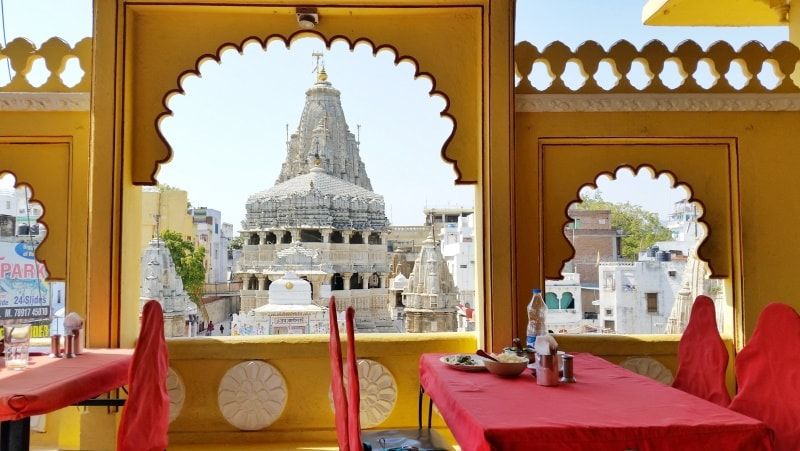 Udaipur itinerary, one day: Rooftop restaurant. Best places to visit and eat in Udaipur, Rajasthan, India.