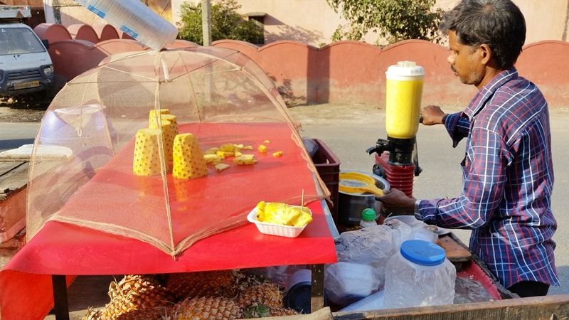 Forts in Jaipur in one day: Jaipur pineapple juice near Nahargarh Fort. Rajasthan forts, India