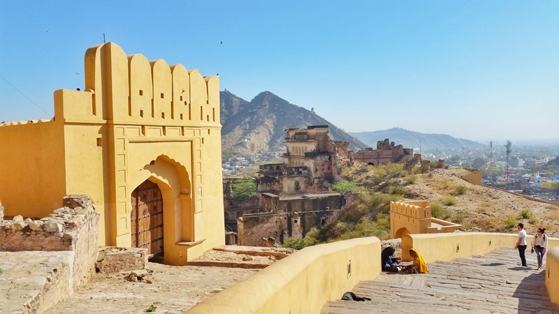 Forts in Jaipur in one day: Amber Fort walking stairs or elephant ride. Rajasthan forts, India