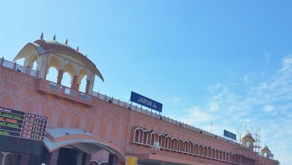 Jaisalmer to Jaipur by train: Getting to Jaipur. Itinerary with getting around Rajasthan, India