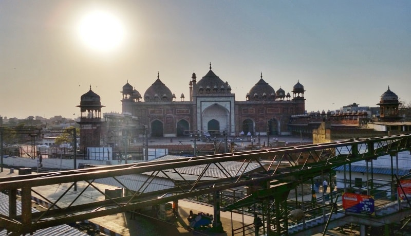 One day in Agra, itinerary: Jama Masjid sunset near Agra Fort train station. Best places to visit in Agra, Golden Triangle, India