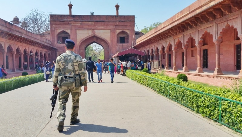 One day in Agra, itinerary: Security, what's allowed at Taj Mahal? Store prohibited items in storage lockers, backpacks and bags. Best places to visit in Agra, Golden Triangle, India