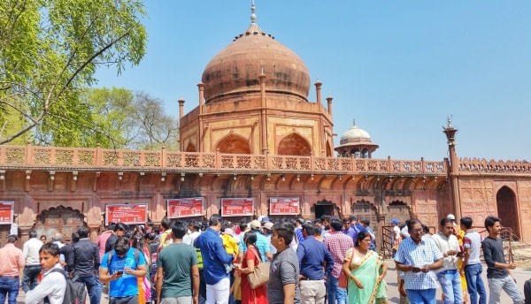 One day in Agra, itinerary: Long lines for Taj Mahal tickets. Foreigners skip ahead. Best places to visit in Agra, Golden Triangle, India