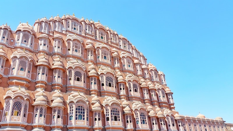 Palaces in Jaipur in one day: Hawa Mahal, Wind Palace. Rajasthan palaces, India
